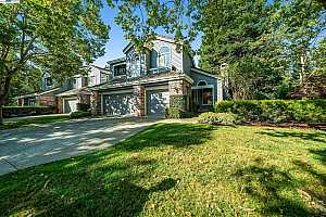 More Details about MLS # 40966127 : 100 KINGSWOOD CIR