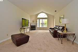 More Details about MLS # 40967890 : 22530 3RD ST #303