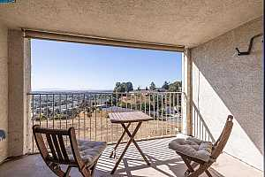 More Details about MLS # 40969404 : 2505 MIRAMAR AVE #139