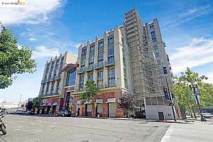 Browse active condo listings in EIGHT ORCHIDS