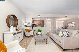 Browse active condo listings in WATERFORD