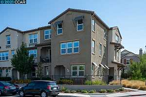 Browse active condo listings in OMNI AT VINEYARD CROSSING