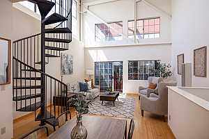 Browse active condo listings in 2828 FILBERT